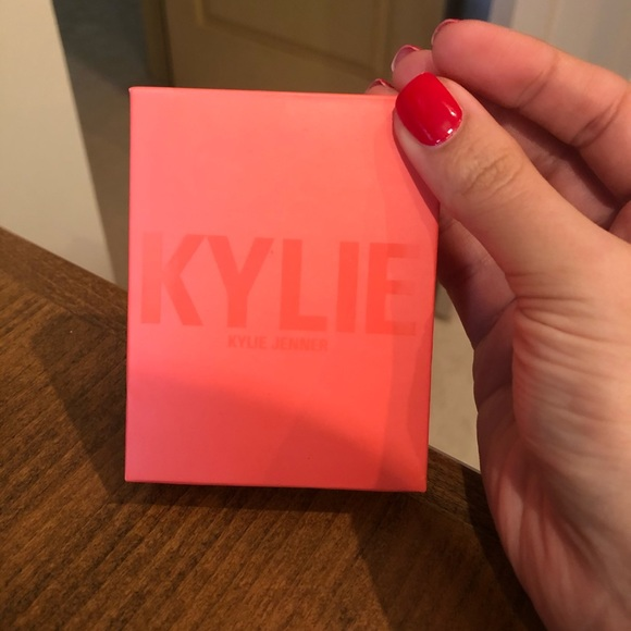Kylie Cosmetics Hot & Bothered blush